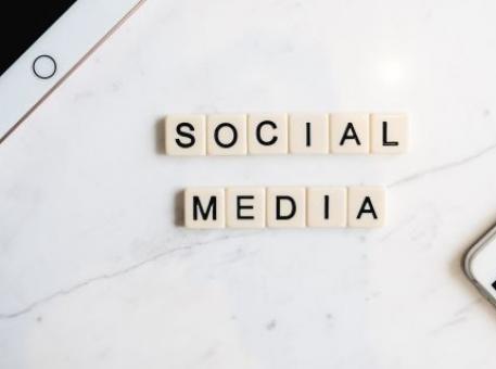 Médias sociaux et influence sur le référencement